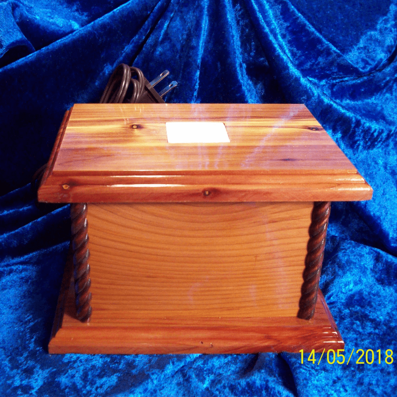 LIGHTED DISPLAY BOX 013