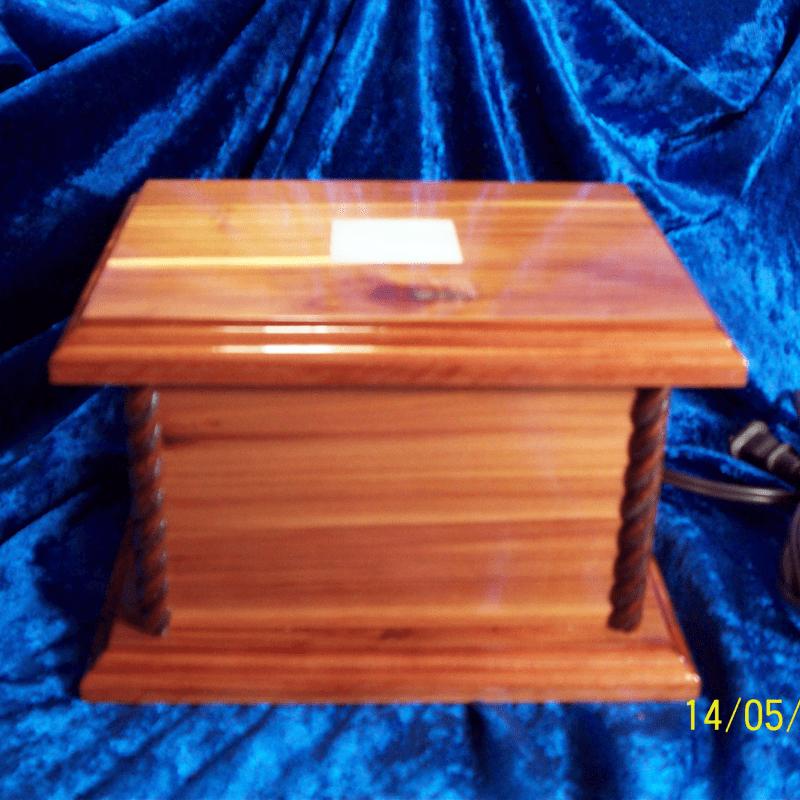 LIGHTED DISPLAY BOX 015